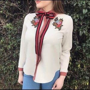 Tops - Button up, long sleeve flower blouse